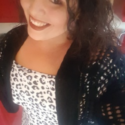 Sasha is looking for singles for a date