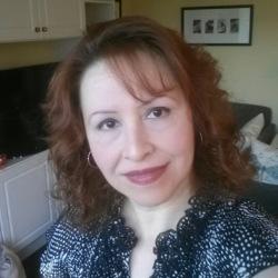 Julie, 47 from Nova Scotia