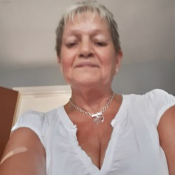 Jayne is looking for singles for a date
