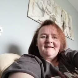 Katrina is looking for singles for a date