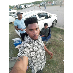 Aphizo is looking for singles for a date