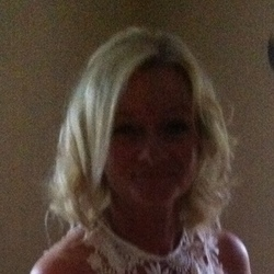 Carolyn is looking for singles for a date