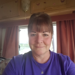 Hazel is looking for singles for a date