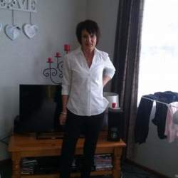 Sharyn is looking for singles for a date