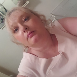 Katrina, 42 from Queensland