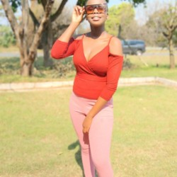 Elihle is looking for singles for a date