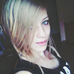 Gertina is looking for singles for a date