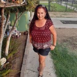Vicky (55)