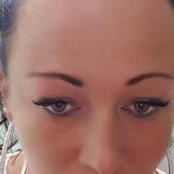 Karolina (39)