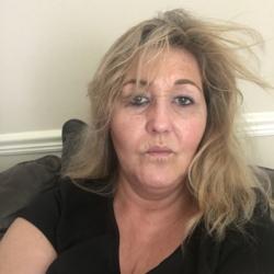 Tina (49)