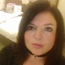 Debbied is looking for singles for a date