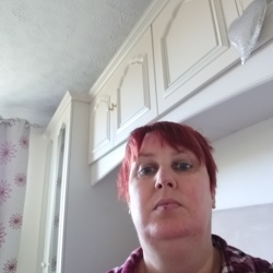 Sarah-Jane is looking for singles for a date