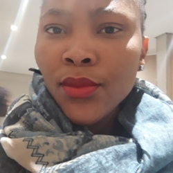 Omphemetse is looking for singles for a date