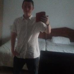 Alex (19)
