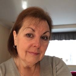 Linda (61)