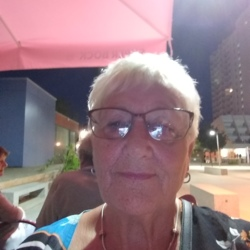 Veronica (76)