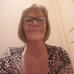 Therese is looking for singles for a date