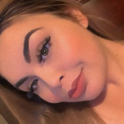 Gwendolyn is looking for singles for a date