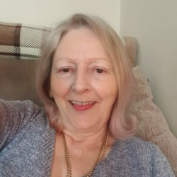Lyn is looking for singles for a date