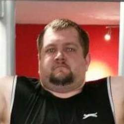 Bigboydavey is looking for singles for a date