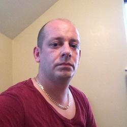 Adam (35)