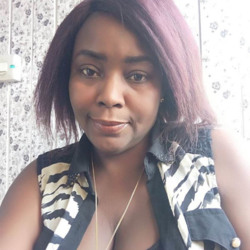 Tanesha is looking for singles for a date