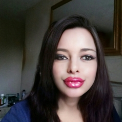 Chrissy is looking for singles for a date