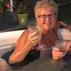 Jan (66)