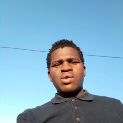 Melusi is looking for singles for a date