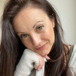 sexting  Charlotte in Bangor-is-y-coed