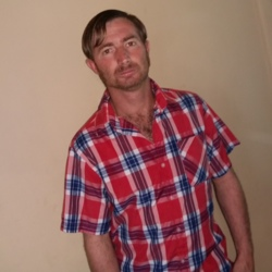 Johannes is looking for singles for a date
