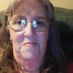 Cydnie is looking for singles for a date