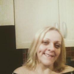 Linda (39)