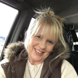 sexting  Debbie in Romsey