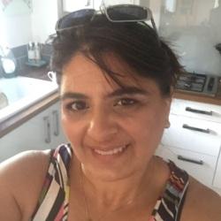 Rania (46)