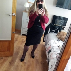 Trishsevern is looking for singles for a date