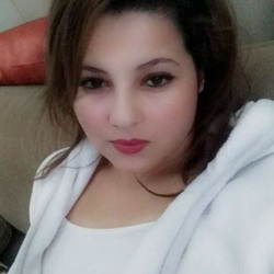 Aliya is looking for singles for a date
