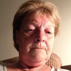 Vivien (66)